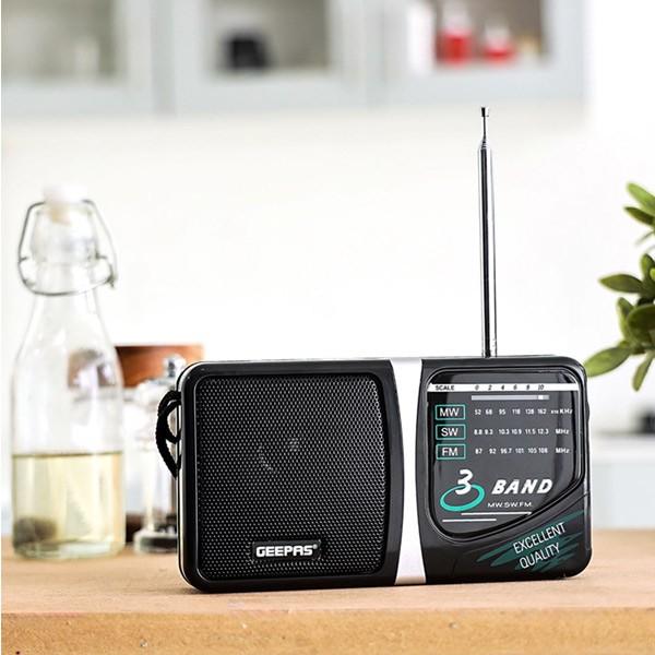 Geepas GR6821 3 Band Radio  Am/Sw/Tv/Fm Portable Radio-611