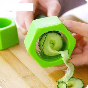 Multi-Purpose Plastic Vegetable Cutter Screw Cucumber Slicer, Assorted Color-HV